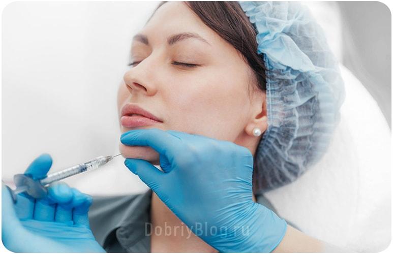 Избавление от морщин путём инъекций гиалуроновой кислотой.